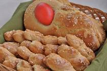 Greek Easter Twists - Koulourakia