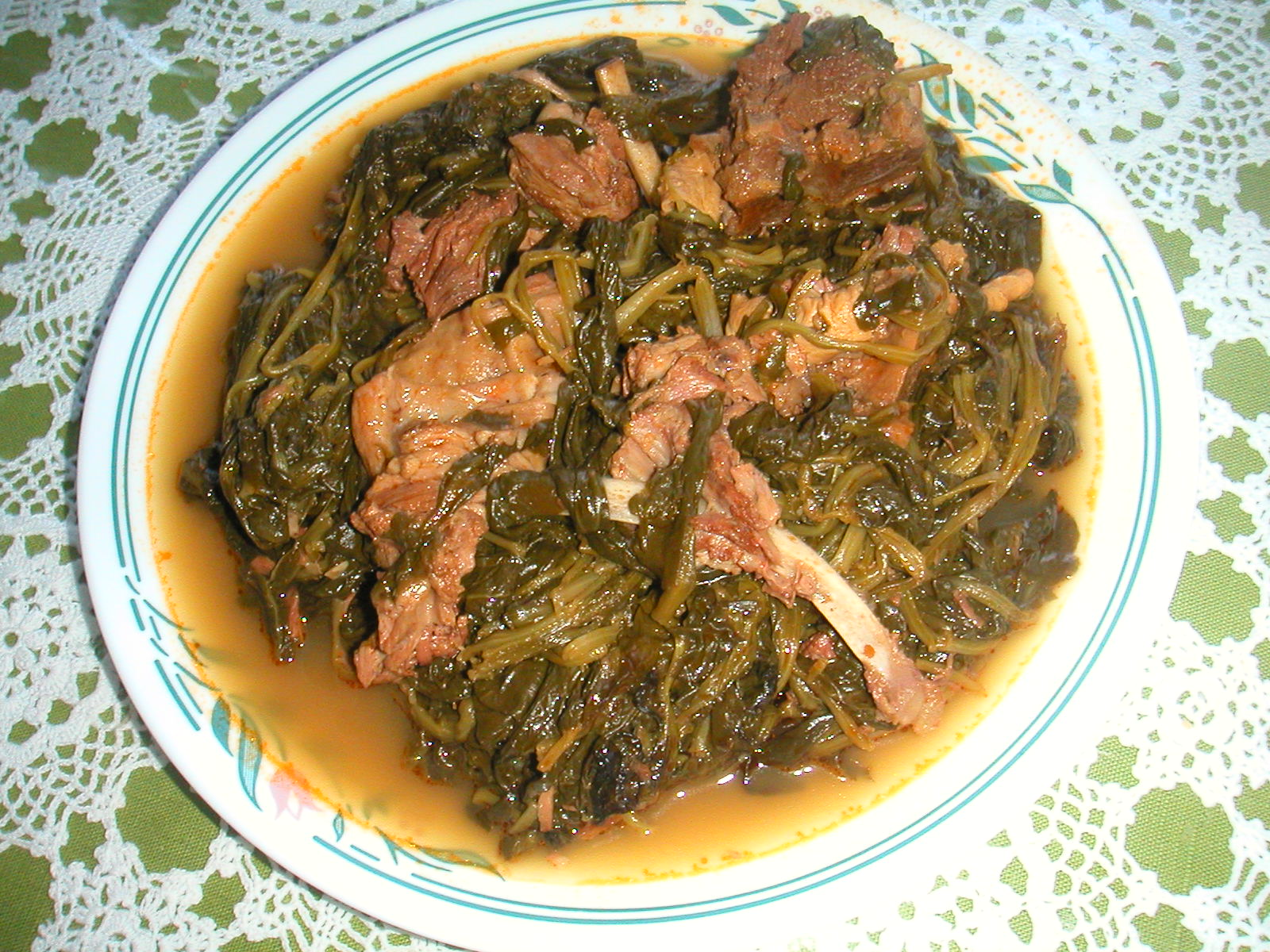 Arni me Spanaki (Lamb with Spinach)
