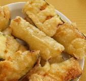 Kolokythakia Tiganita: Batter-fried Zucchini
