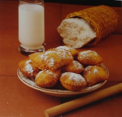 Bourekia me Anari (Pastries with Ricotta Cheese)
