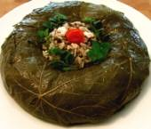 Stuffed Grape Leaf Wreath Salad