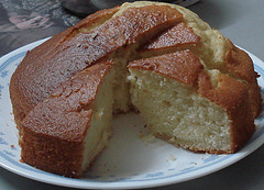 Greek Lemon & Yogurt Cake - Cake me Lemoni kai Yiaourti
