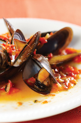Mussels with Tomato,Garlic,onion,flour