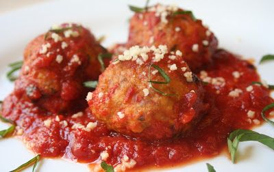 Cumin and Garlic Meatballs in Tomato and Wine Sauce (Cretan)