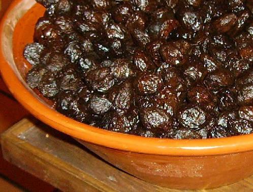 Wrinkled Black Olives - Throumpes